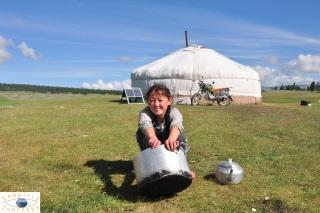 mongolian-tent-exterior-2
