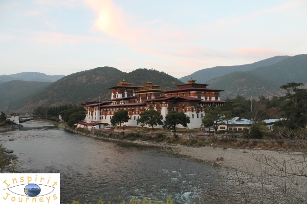 Punakha Dzong with Hills.jpg